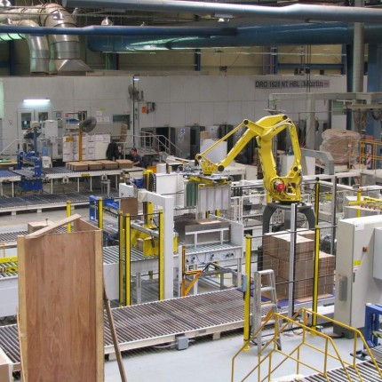 Robotic palletizer for mid line FFG