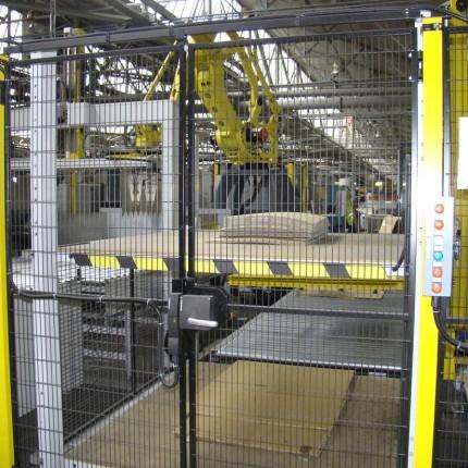 Robotic palletizer for mid line FFG
